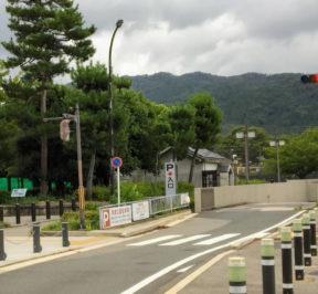 岡崎公園駐車場